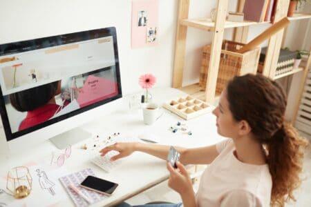 Entering number of credit card on website