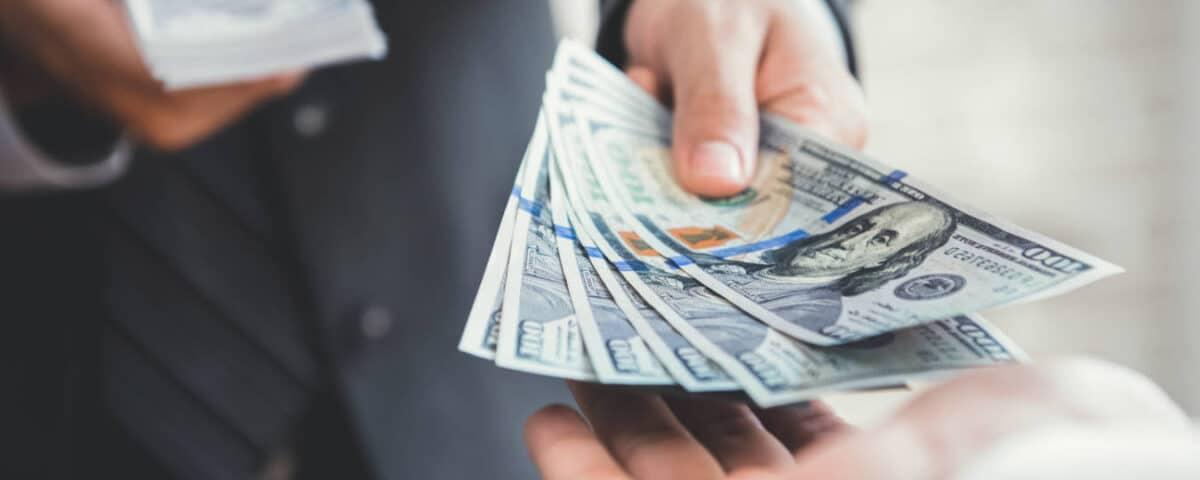 Split payment – czym jest mechanizm podzielonej płatności. Jak został wprowadzony w bankach?