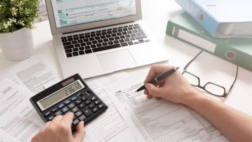Kredyt krótkoterminowy i długoterminowy – jakie są różnice?