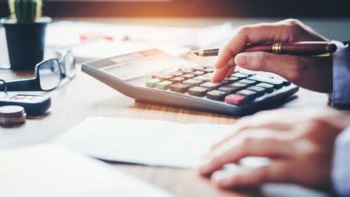 Oprocentowanie przy kredycie hipotecznym – jakie wybrać stałe czy zmienne?